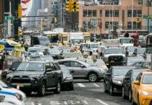 Ve státě New York se od roku 2035 přestanou prodávat automobily se spalovacími motory